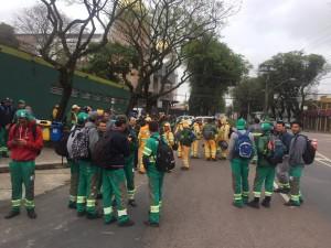 Coletores aguardam depósito dos salários (Foto:divulgação/Siemaco)